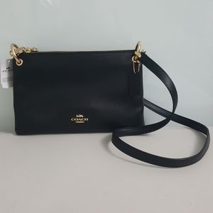 NWT-AuthenticCoach Pebbled Leather Mia Crossbody